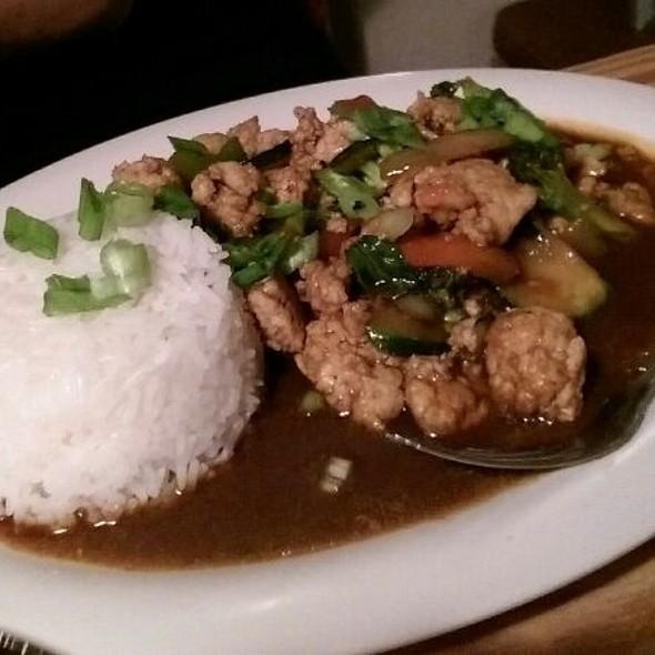 Red Curry & Thai Basil Stir Fry With Ground Chicken