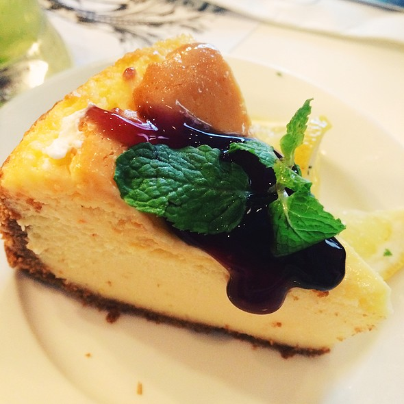 New York Cheesecake @ Relish at Ponte