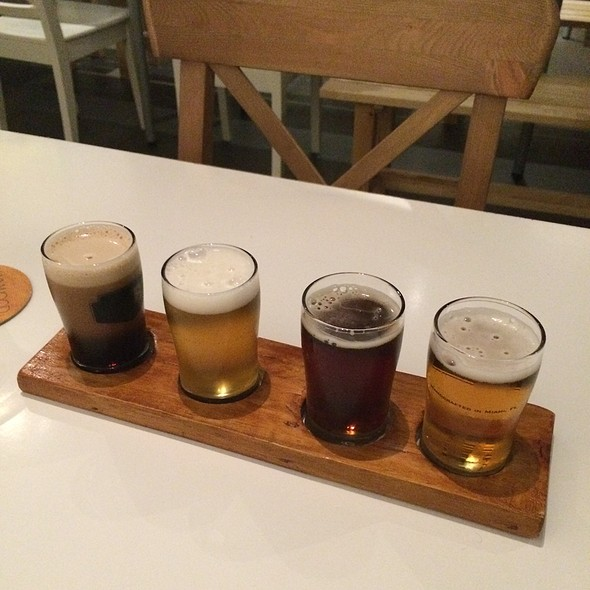 Beer Flight @ Wynwood Brewing Company