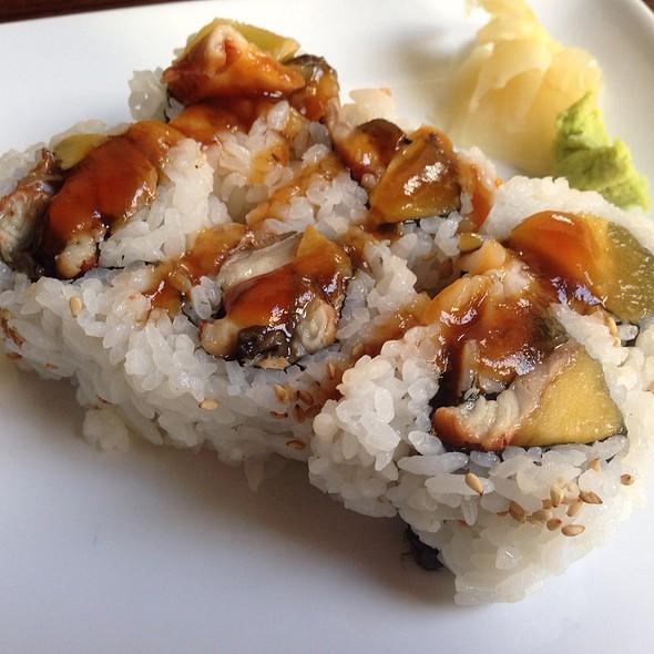 Unagi And Mango Roll
