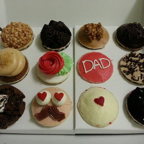Assorted Cupcakes!!
