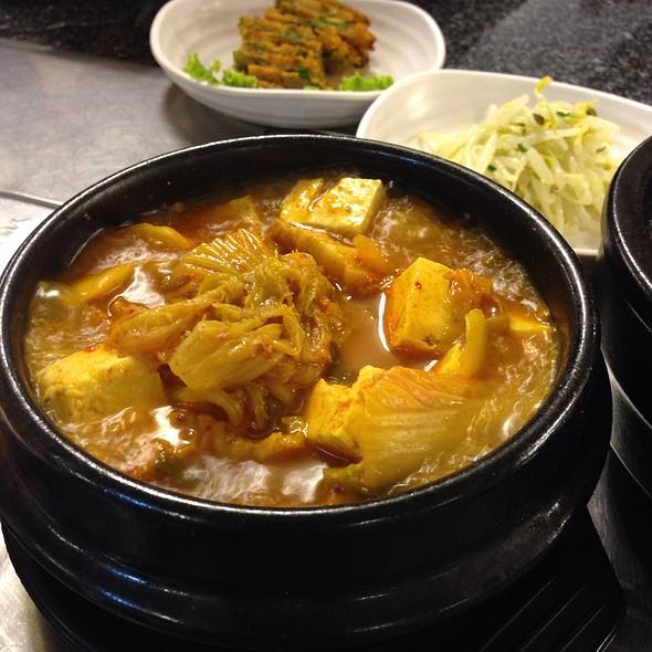 ซุปกิมจิ | Kimchi Jjigae - Kimchi Stew
