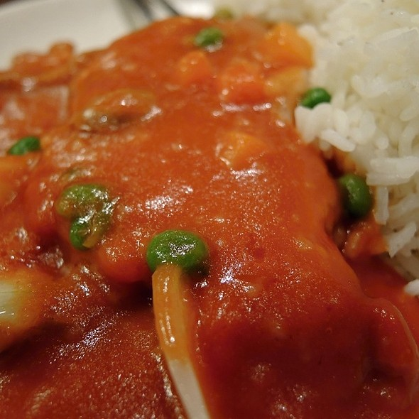 Pork Chops in Sweet Tomato Sauce with Rice @ Gum Kuo Restaurant