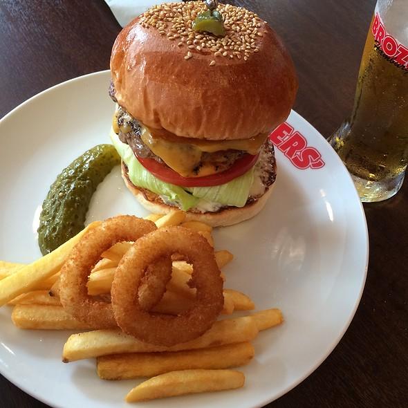 Double Cheese Burger @ Brozers (ブラザーズ)