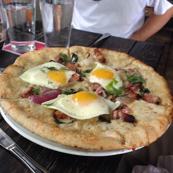 Breakfast Pizza @ No 246