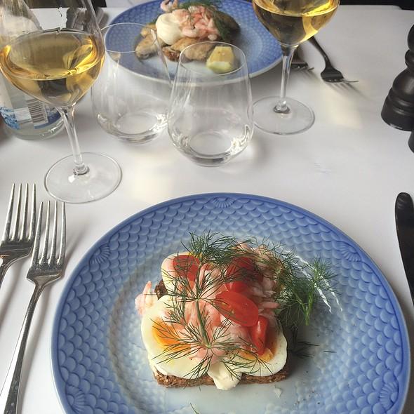 Æg Og Rejer - Eggs And Shrimp @ Sans souci, Frederiksberg