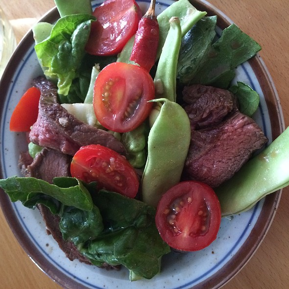 Spicy Steak Salad @ Ulogisk
