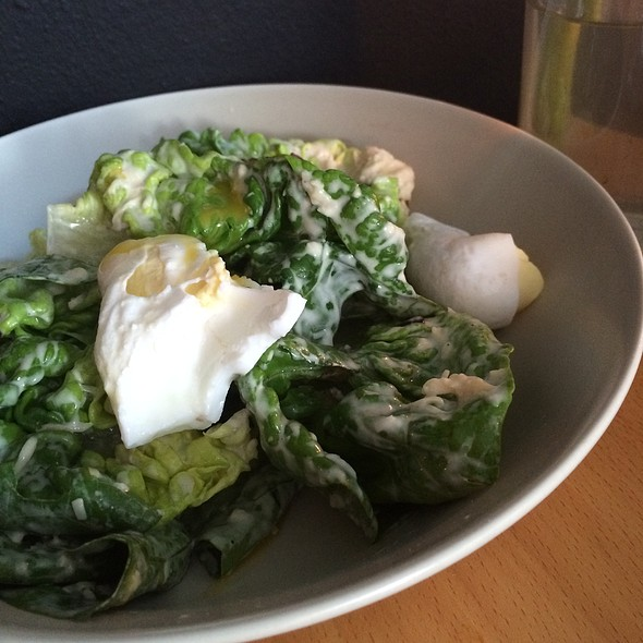 Ceasar Salad With Eggs @ Ulogisk