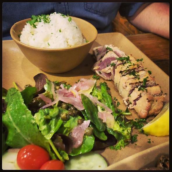 Seared Ahi Tuna plate @ The Fish Shop Hermosa Beach