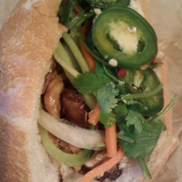 belly bun @ Bun Mee