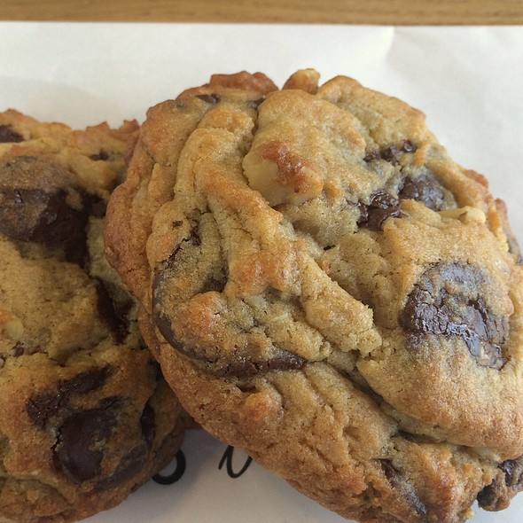 Chocolate Chip Cookies @ Common Bond