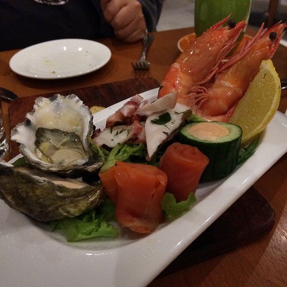 Cold Seafood Plate @ Cyren Restaurant and Bar