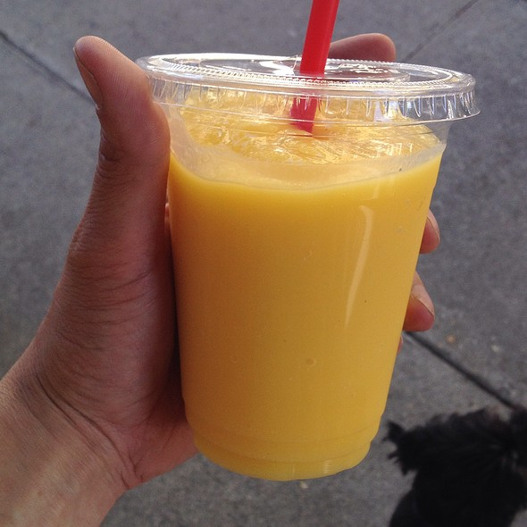 Pineapple Mango Smoothie @ Sidewalk Juice