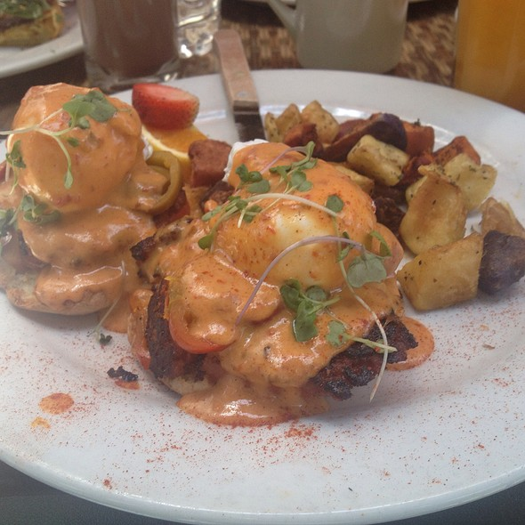 Southern Benedict @ Sweet Maple