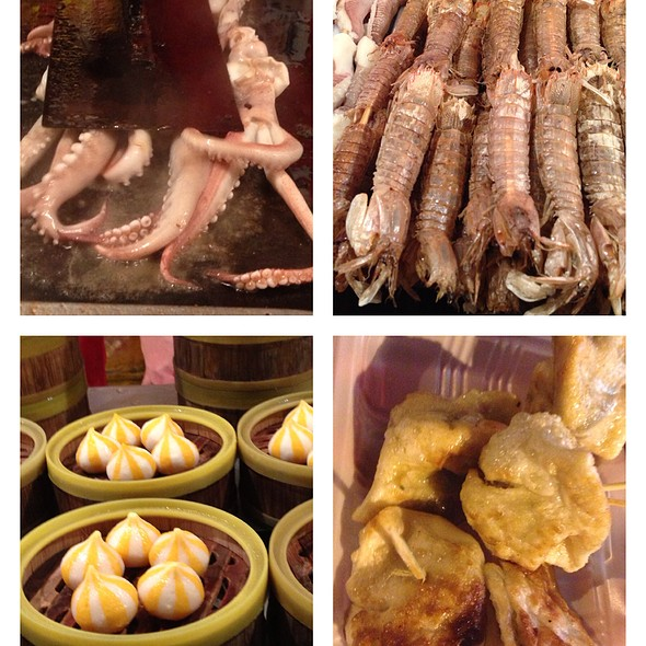Squid, Cereal Prawns & Dumplings @ Wangfujing Night Market