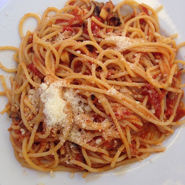 Spaghetti With Mushrooms Sausage Tomatoes And Cheese