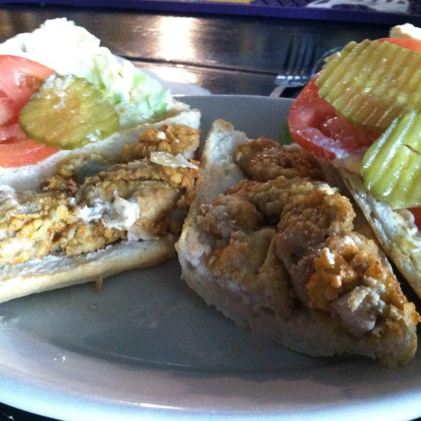 Fried Oyster Po Boy @ Riverbend Restaurant and Bar