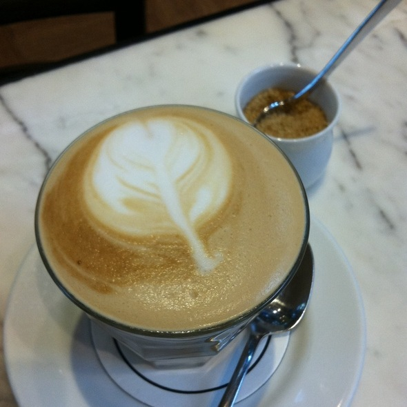 Skinny Cafe Latte @ Caffe Beviamo - The Paragon
