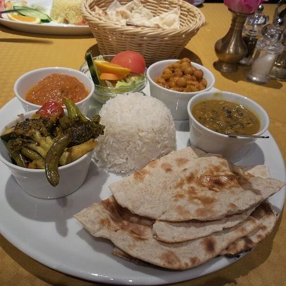 Thali Special @ Himalaya