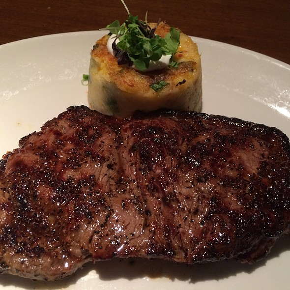 Prime New York Strip Steak @ Del Frisco's Grille