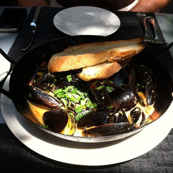 Mussels Provençal, shallots, tomato, garlic, saffron broth, pernod & rouille - Mediterra, Princeton, NJ