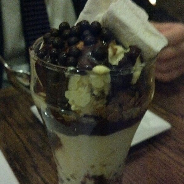 Ice Cream Sundae @ Mehtaphor