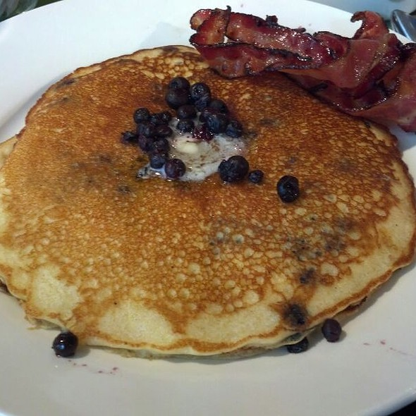 Blueberry Pancakes @ Cafe This Way