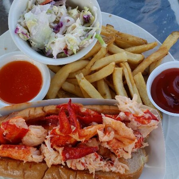 lobster roll @ GBar At American Wharf