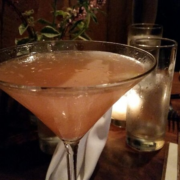 Grapefruit Martini @ Oyster Club