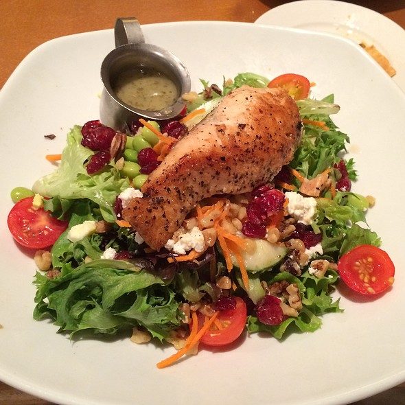 Super Fit Salad W/ Salmon - MOSAIC Restaurant, Richmond, VA