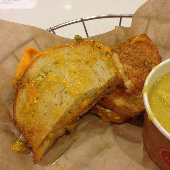 Jalapeno Popper Grilled Cheese @ The Melt