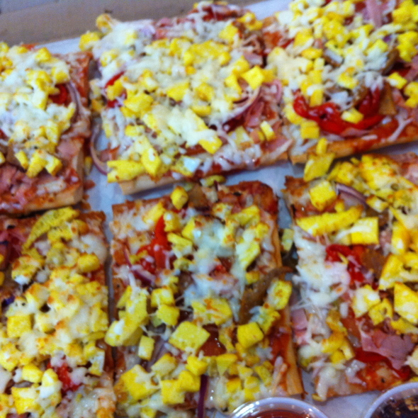 Breakfast Pizza @ Cafe Roma