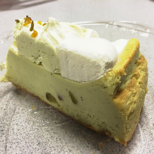 Pistachio Cheesecake @ Cabbie's Pizza