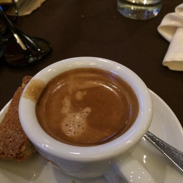 Espresso Lungo - La Verità, Dollard-Des-Ormeaux, QC