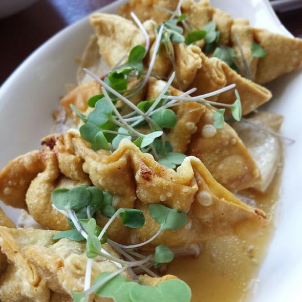 Ahi Poke Mandoo @ MW Restaurant