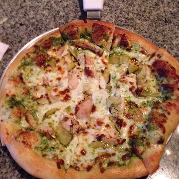 Chicken & Artichoke Pizza @ Zeppelin's Pizzeria & Bar