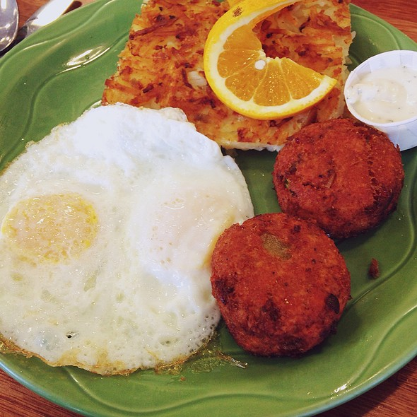Salmon Cakes @ Snow City Cafe
