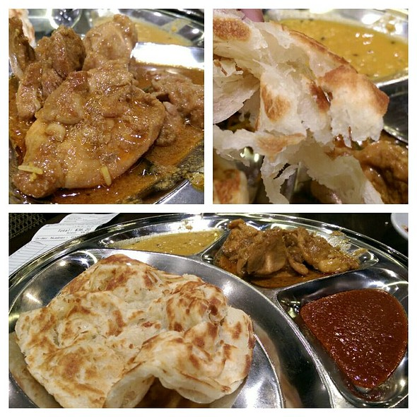 Roti Canai With Curry Chicken @ PappaRich Broadway