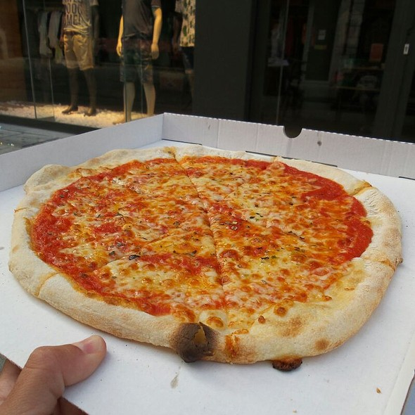 Margherita @ Douera Pizza