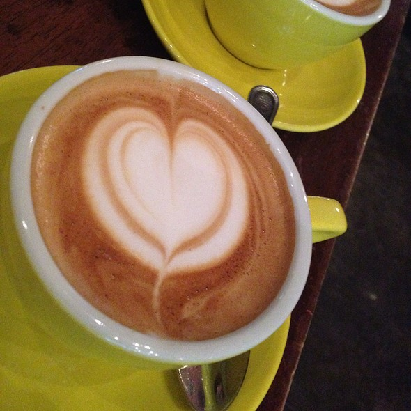 Flat White @ Oriole Cafe & Bar