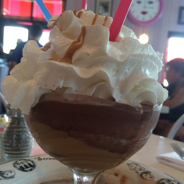 Frozen Peanut Butter Hot Chocolate @ Serendipity 3