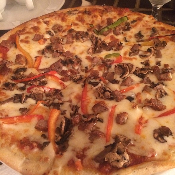 Sausage, Mushroom, And Bell Pepper Pizza @ Bellagio Room Service