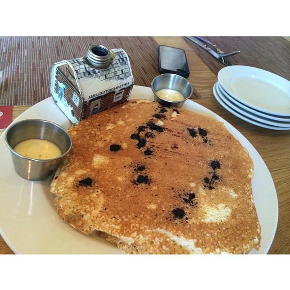 Blueberry Ricotta Pancakes @ BLD