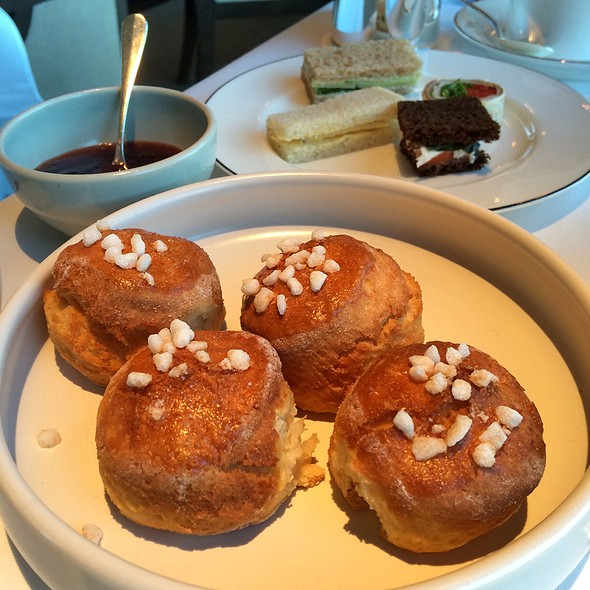 Vanilla Scones with Clotted Cream and Lemon Curd @ Park Hyatt Sydney