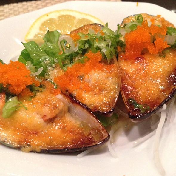 Baked Mussels @ Asakuma Sushi & Chinese