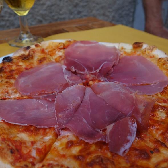 Prosciutto Pizza @ Blue Marlin Cafe
