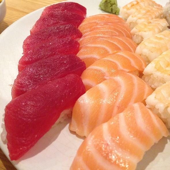 Sushi @ Kotobuki