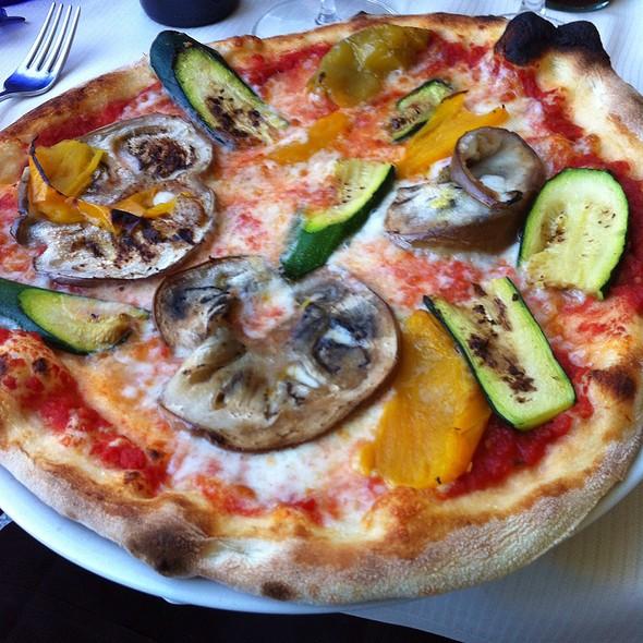 Pizza Ortolana @ Chalet Del Lago