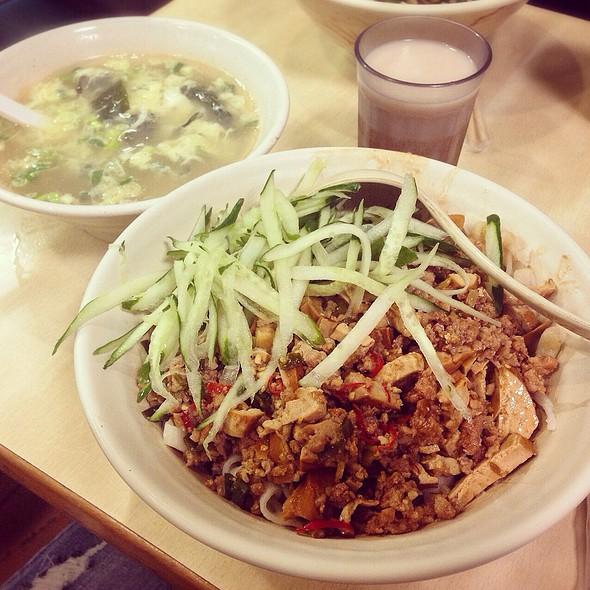 招牌AB麵 | Spicy noodles @ 銀記