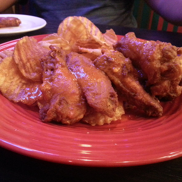 Wings And Chips @ Red Robin